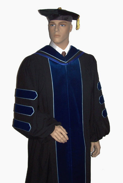 Graduation gown rentals – Trinidad and Tobago